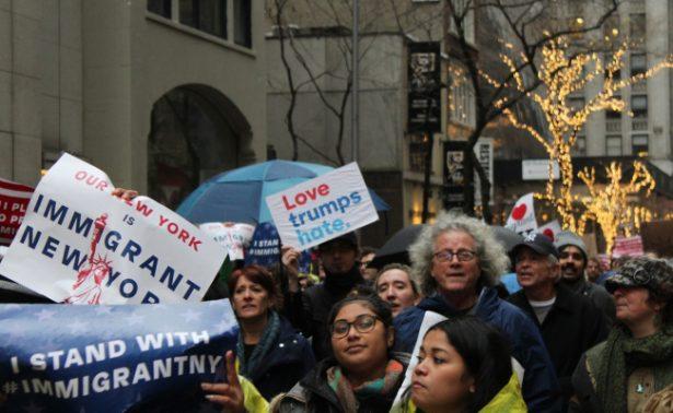 Piden 31 alcaldes de EU que Obama extienda protección a inmigrantes