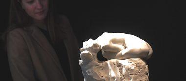 Rodin sigue de moda 100 años después de su muerte en París