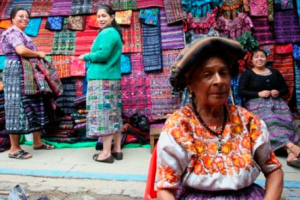 Comunidades Mayas reciben el 2017 con festejos austeros
