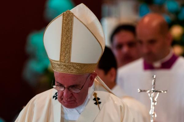 El Papa cierra 2016 con crítica a privilegios y amiguismos