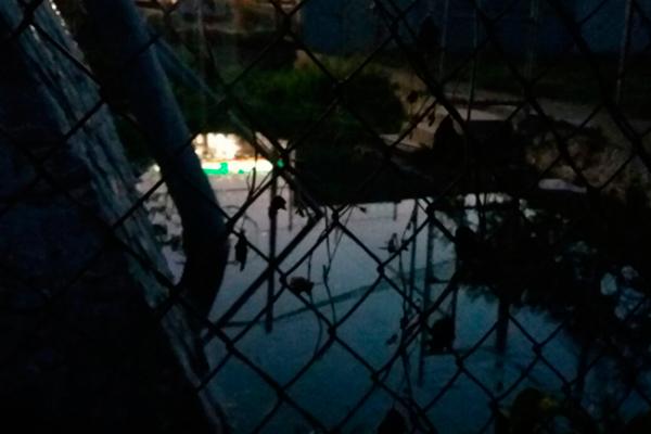 Pozo en mal estado provoca daños a viviendas