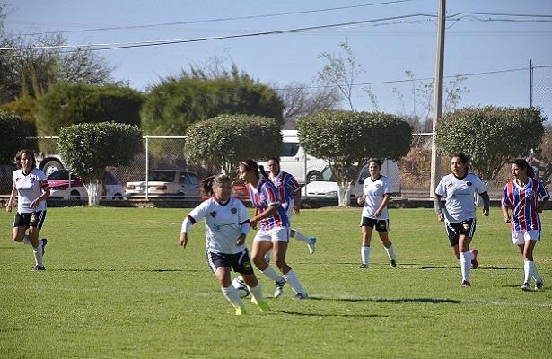 Triunfo de las campeonas de Río Soccer Club SJR para sumar sus tres primeros puntos en el TC-2017 de la Súper Liga CZ de la LIMEFFE.