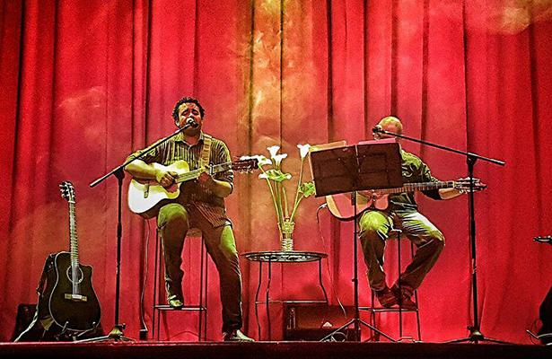 """EMANUEL Cortés e Iván Correa en el concierto """"Amor a la trova""""."""