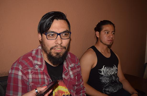"""INTEGRANTES de la banda sanjuanense """"Darkiside Ritual"""", invitan a la población a ingresar al portal electrónico y votar por ellos. Foto: Jacob Cabello"""