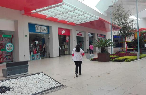 SOLITARIOS los pasillos de Plaza Galerías fueron propicios para los ladrones que no desaprovecharon la oportunidad que se les presentó para atracar.