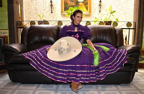 Adriana Cardoso Guerrero, destacada mujer en la Charrería