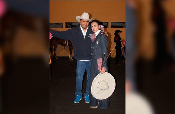 DEDICADA actualmente a la cala de caballo, Adriana tiene de entrenador a Toño Díaz.