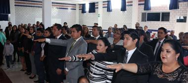 ISES entrega 29 profesionistas