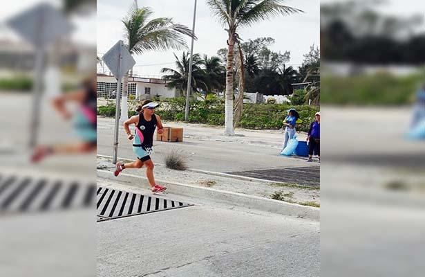 María Fernanda Ávila en el cuarto lugar del triatlón de Ciudad del Carmen