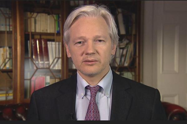 """Assange no """"perdona ni olvida"""" el daño causado por detención"""