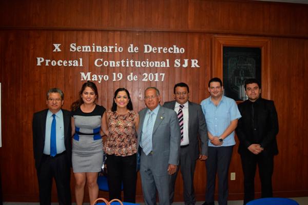 Celebran seminario de Derecho en la UAQ