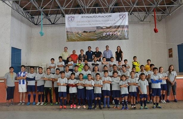 Revalida escuela del Club Pachuca en San Juan