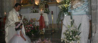 Regina Padilla Ugalde fue presentada ante el altar