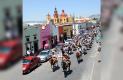 COLUMNA de algunos cabalgantes a su paso por la calle de Morelos.