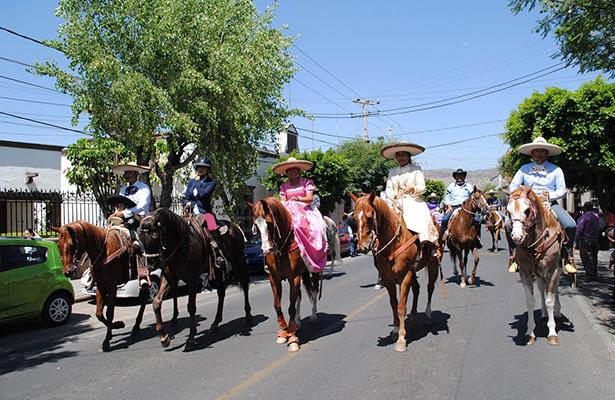 Cabalgata de la Amistad recorrió las calles de SJR