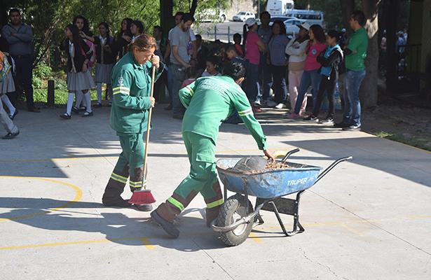 Entrega de uniformes es paulatina: SITAM