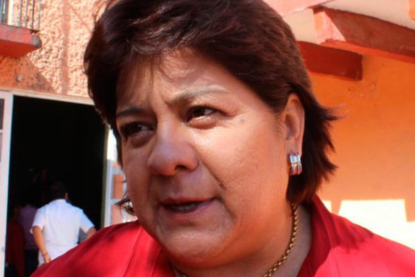 Aplaude Chela participación de mujeres en política