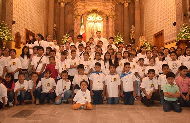 80 niños inician misión de mensajeros del Evangelio