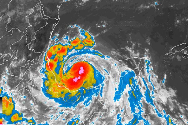 Tormenta Franklin continúa fortaleciéndose sobre el Golfo de México