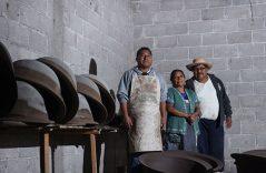 Elaboración de piezas de barro en Cadereyta de Montes