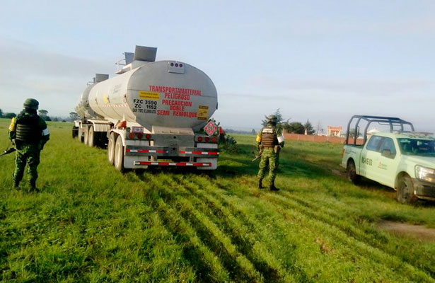 Pemex aseguró miles de litros de hidrocarburo