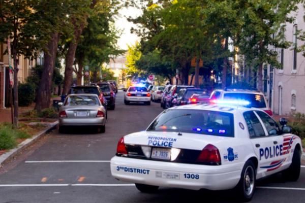 Protestas supremacistas ponen a Charlottesville en estado de emergencia