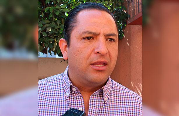 Propone Fabián encuesta para definir candidato