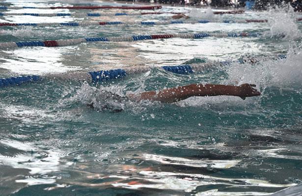 Gestionan alberca semi olímpica para Amealco