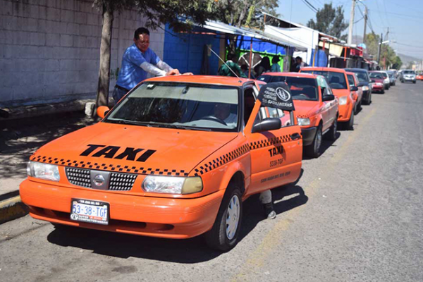 Proyectan aplicación para regular tarifas de taxis