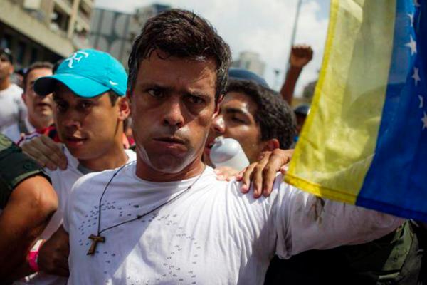 """Tribunal venezolano revocó arresto domiciliario de López por """"planes de fuga"""""""