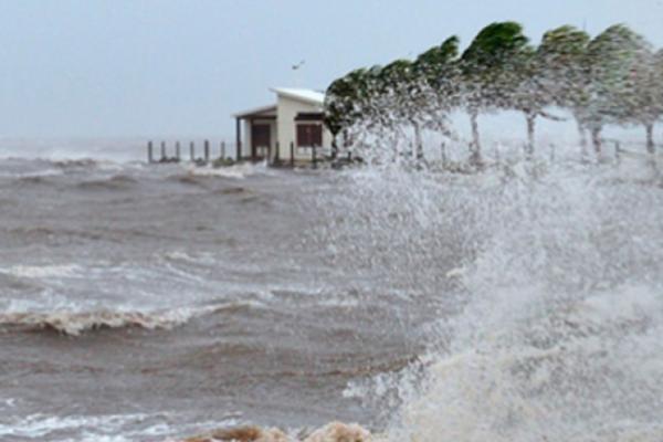 Franklin podría llegar a Veracruz como huracán categoría 1