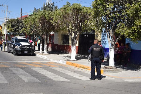 Suman 21 policías dados de baja en Pedro Escobedo