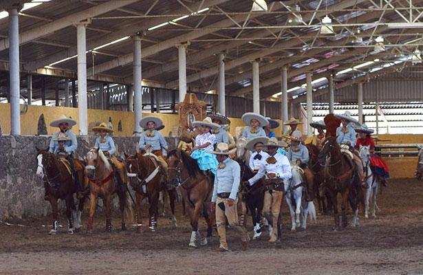 Charrería recibe en México certificado como patrimonio cultural de humanidad
