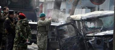 Atentado de talibanes deja 71 muertos en Afganistán