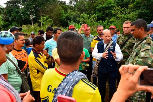 Ombudsman pide investigar masacre de cultivadores de coca en Colombia