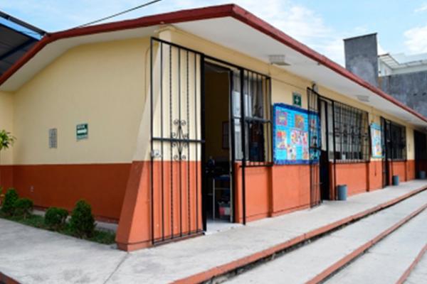 Entrega gobierno de Oaxaca dictámenes de Protección Civil a escuelas