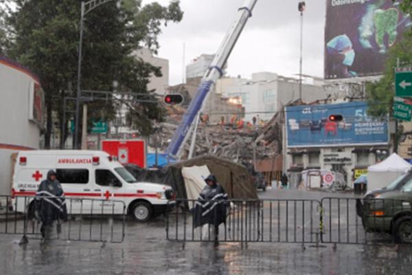 Investigarán causas del colapso de edificio en Álvaro Obregón 286