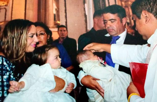 Chema Oti y Marifer Rangel celebran bautizo de sus herederas