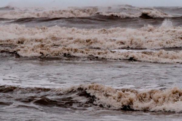 Advierten riesgo por crecimiento del río Coatzacoalcos