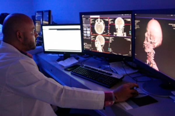 IMSS practica cirugías de tumor cerebral con paciente despierto