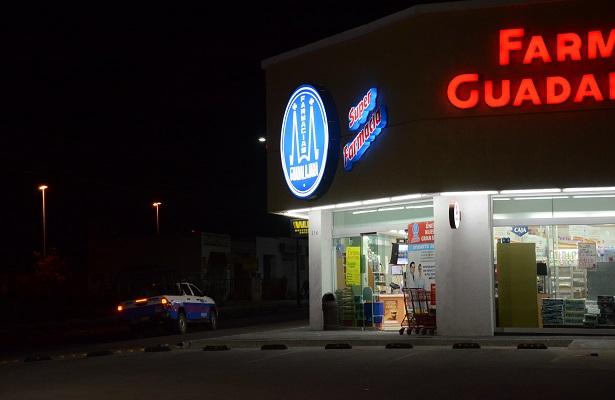 Otro asalto a Farmacias Guadalajara