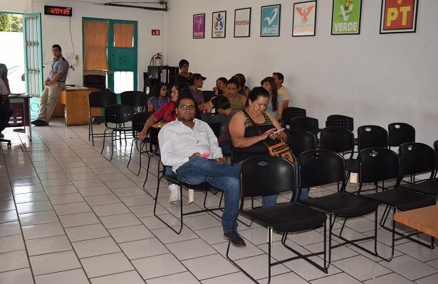 INE restituye derechos a cinco ciudadanos al mes