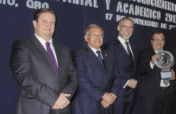 Canacintra reconoce a la UAQ con el Premio al Mérito Académico