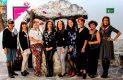 CON ALGUNAS de sus amigas y compañeras del voluntariado de damas de Bomberos de San Juan, Laura de Rodríguez, disfrutó del grato festejo.