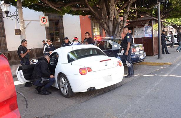 Autos sospechosos son revisados