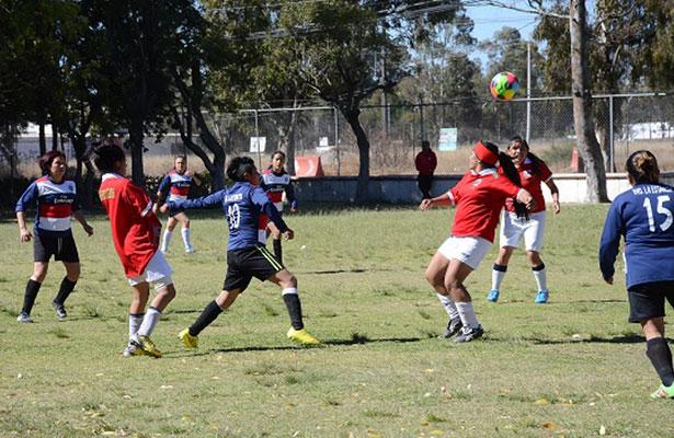 Sporting y Deportivo La Estancia empatan en partido de ida