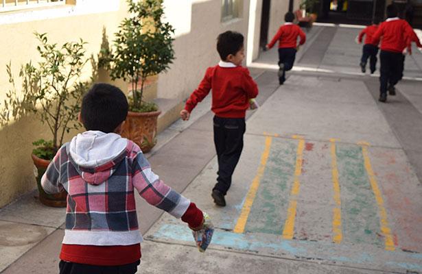Autorizan uso de ropa invernal en escuelas