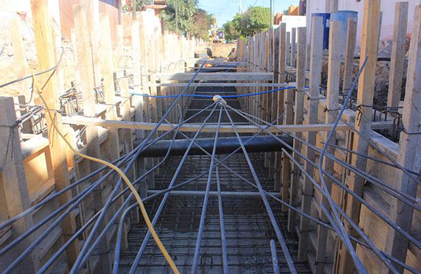 LOS TRABAJOS se enfocan en la construcción del dren pluvial Líbano y en el dique rompepicos.