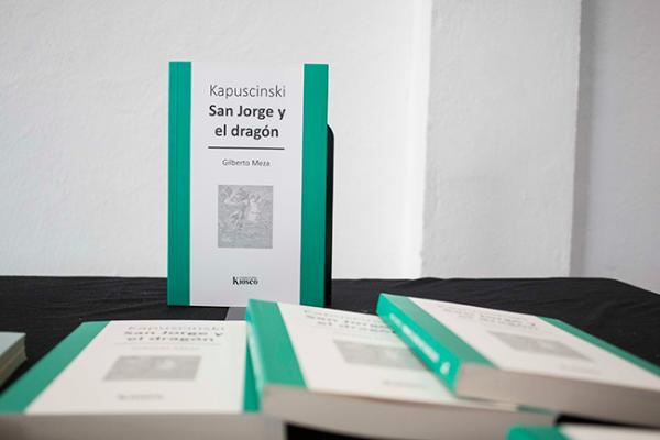 Gilberto Meza presenta libro