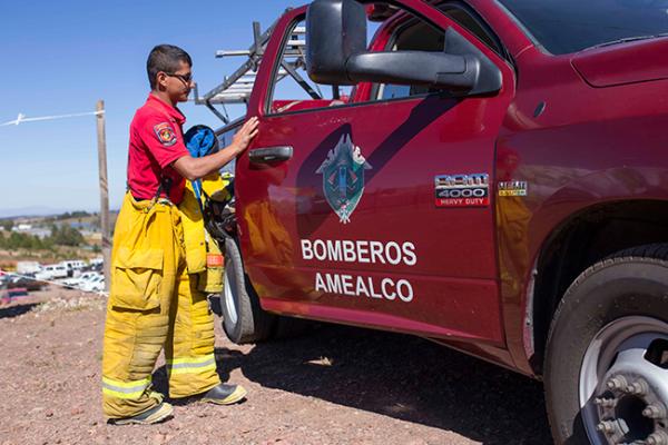 Aumentan servicios de bomberos en Amealco